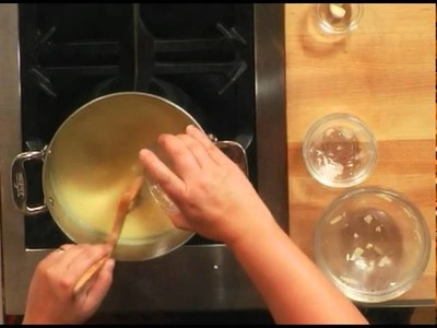 How to Make a Classic Swiss Cheese Fondue| Williams-Sonoma