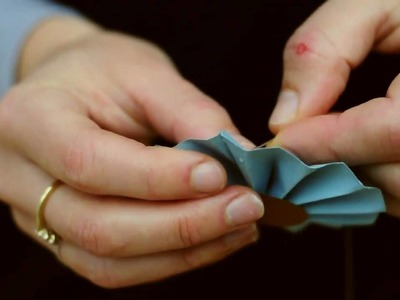 How to make a Rosette decoration from paper