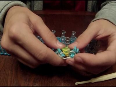 How to Make the Sailor's Pin Stripe Bracelet using 1 Rainbow Loom