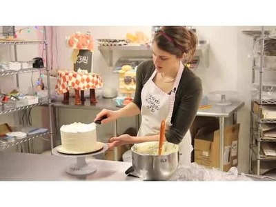 How to Decorate with Buttercream Icing | Cake Decorations