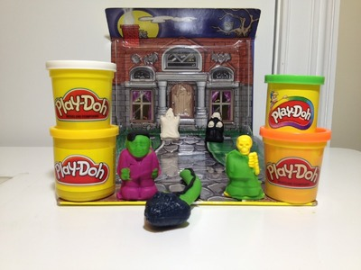PLAY-DOH HALLOWEEN Pack n Go Monster Rific Haunted House a Tutorial for A Play Doh Haunted House