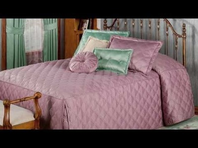 Decorating with Color Classics Fitted Bedspread and Curtain