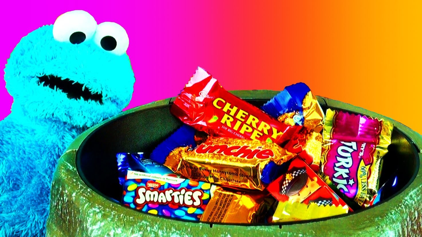 Halloween Scary Prank Candy Bowl Surprise Trick-or-treat with Cookie Monster Thomas & Friends 2013