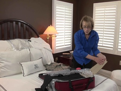 Can You Pack More Women's Clothes in a Suitcase by Rolling or Fold.  : Smart Packing & Travel Tips
