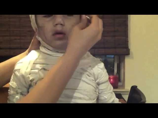 Halloween: Cutest Kids Mummy Costume Ever Tutorial