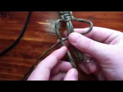 How to make a paracord keychain (cobra)