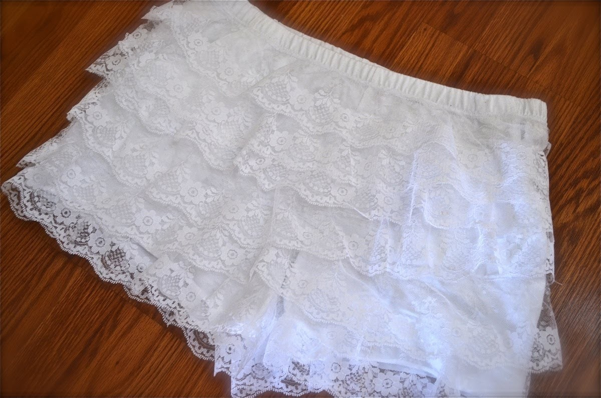How to make tiered lace shorts! | Nik Scott