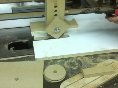 """HOW TO"" Simple Tablesaw Jig to make Wooden Pulleys"