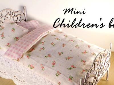 Miniature Furniture; Cute Bed Tutorial - Dolls.Dollhouse