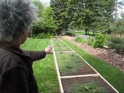 Grass Clipping Blanket - Wisconsin Garden 15.wmv