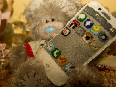 How to Make an iPhone Plush From Felt