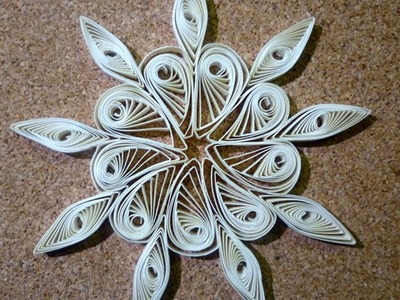 Quilled christmas decoration n°1 step by step