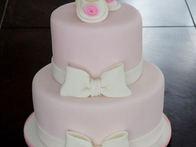 Cake decorating - How to make a  simple fondant bow