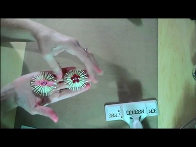 Making a Paper Rosette Flower From the Martha Stewart Loops Edge Punch.wmv