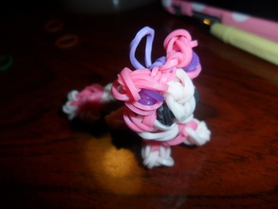 Skitty Rainbow loom charm tutorial