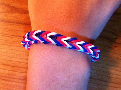 How To Make A Rainbow Loom Fishtail Bracelet | American Flag Colors
