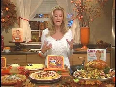 Sandra Lee Makes Great Meals Easy For the Holiday Weekend