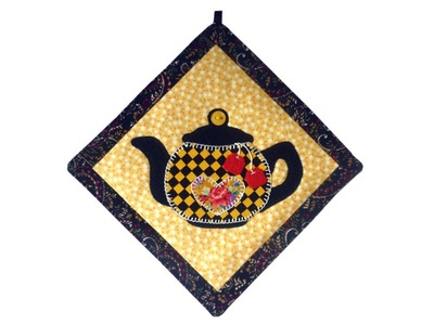 Tea pot mini quilt tutorial with FREE PATTERN by Lisa Pay