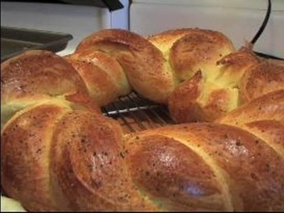 Braided Bread Recipe Tips : How to Serve a Braided Bread Recipe