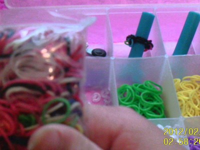 How to keep your rainbow loom organized