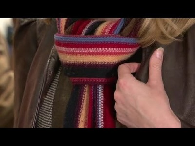 How to Tie a Winter Scarf Fashionably : Winter Fashion Tips