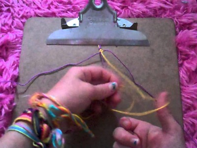How to make the zig zag with a backround friendship bracelet