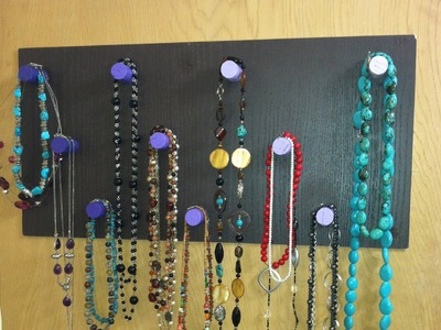 DIY Ombre Necklace Holder (using corks)