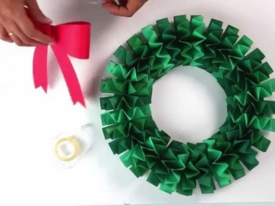 How to make an accordion folded paper wreath