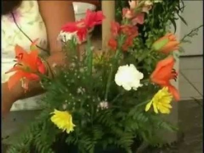 Deborah Dolen Making a Very Basic Floral Container Arrangement