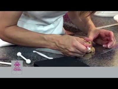 How to make a bear cake decoration | Craft Academy
