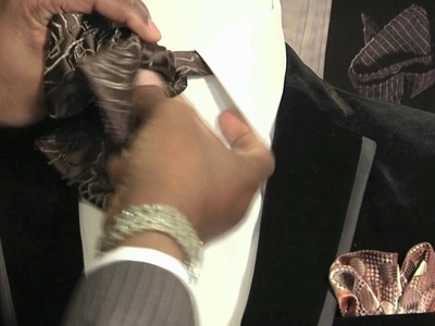 How to Assemble a Tuxedo Bow Tie : Style Tips for Men