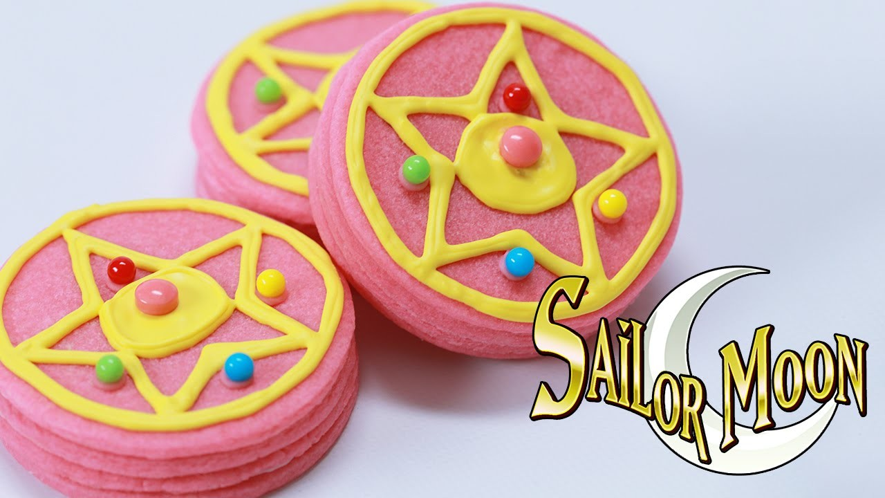 SAILOR MOON BROOCH PINATA COOKIES - NERDY NUMMIES