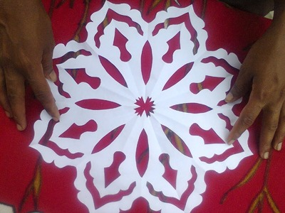 Floor designs by paper cuttings