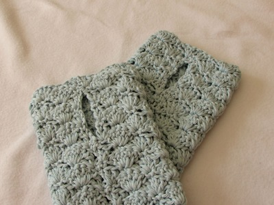 VERY EASY crochet shell stitch wrist warmers. fingerless gloves tutorial