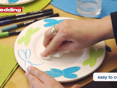 Colour and decorate porcelain with pens