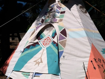 Behind the scenes:  DIY tipi for Roxy