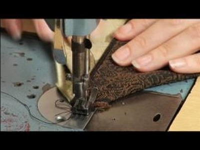 How to Make a Coin Purse : Sewing The Top Of The Zipper To A Coin Purse