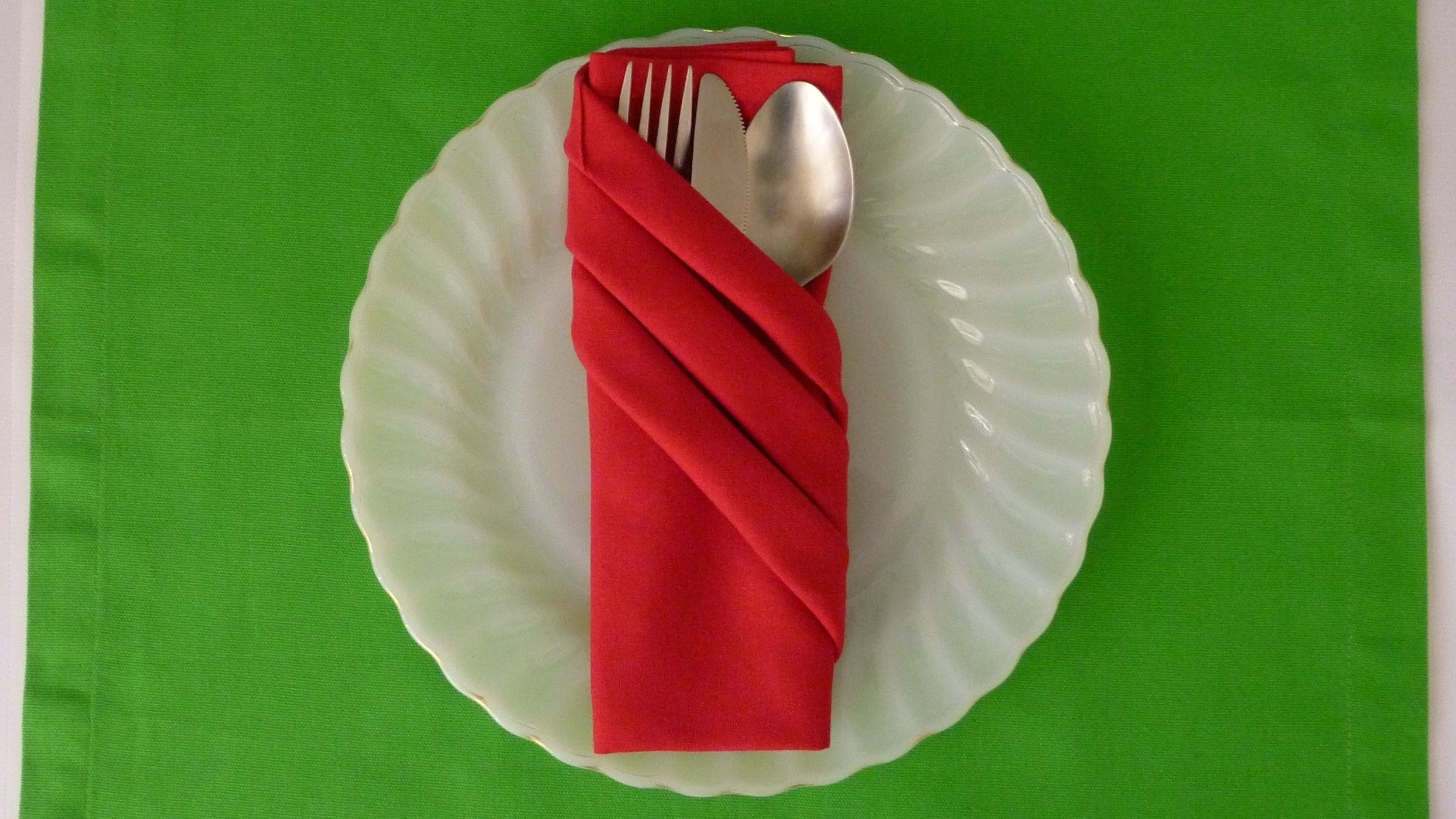 Napkin Folding - Fancy Pouch