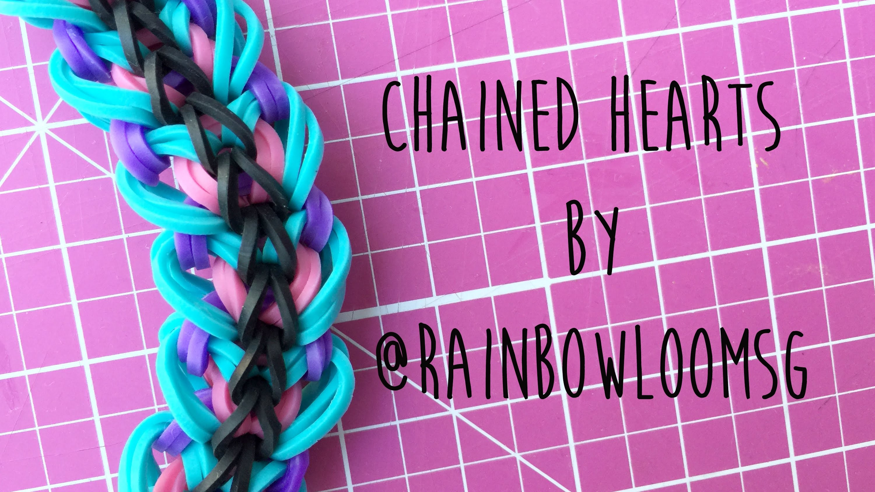 Rainbow Loom Chained Hearts by @RainbowLoomSG 4 peg tutorial