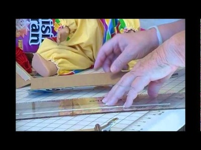 HOW TO MAKE A CARDBOARD LOOM TO MAKE FRINGE
