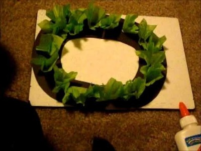 How to make a tissue paper wreath