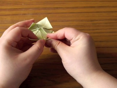 Origami - How to make an paper Origami Clover