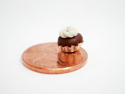 Clay Made Easy: Mini Cupcake with Wrapper