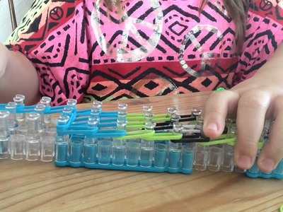 Rainbow loom minion pencil hugger pt 1