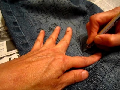 Drawing jeans with fabric pen 02