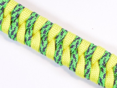 How to Make a Fishtail Paracord Bracelet - Survival Paracord Bracelet by BoredParacord