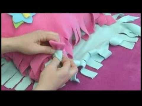 No-Sew Fleece Hat, Scarf & Pillow : Knotting a No-Sew Fleece Pillow