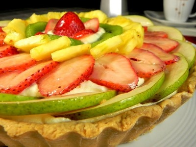 Pay de Fruta, relleno de Crema Diplomata. Fruit Pie, filled with Custard Cream