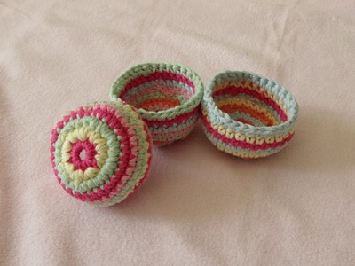 VERY EASY crochet mini basket tutorial - striped storage pots