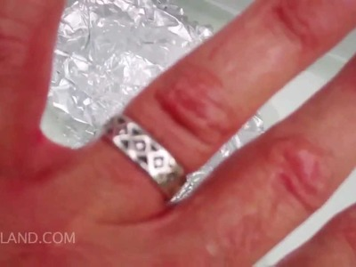 Cleaning Silver And Tarnish With Baking Soda Aluminum Foil And Hot Water